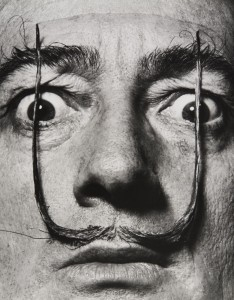 mel_halsman_moustaches-defendent-lentree-de-ma-personne-1954-c-2013-philippe-halsman-archive-magnum-photos_images-rights-of-salvador-dali-reserved-web